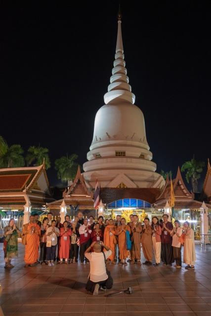 Group Photo at Wat Phra Sri Mahathat Woramahawihan